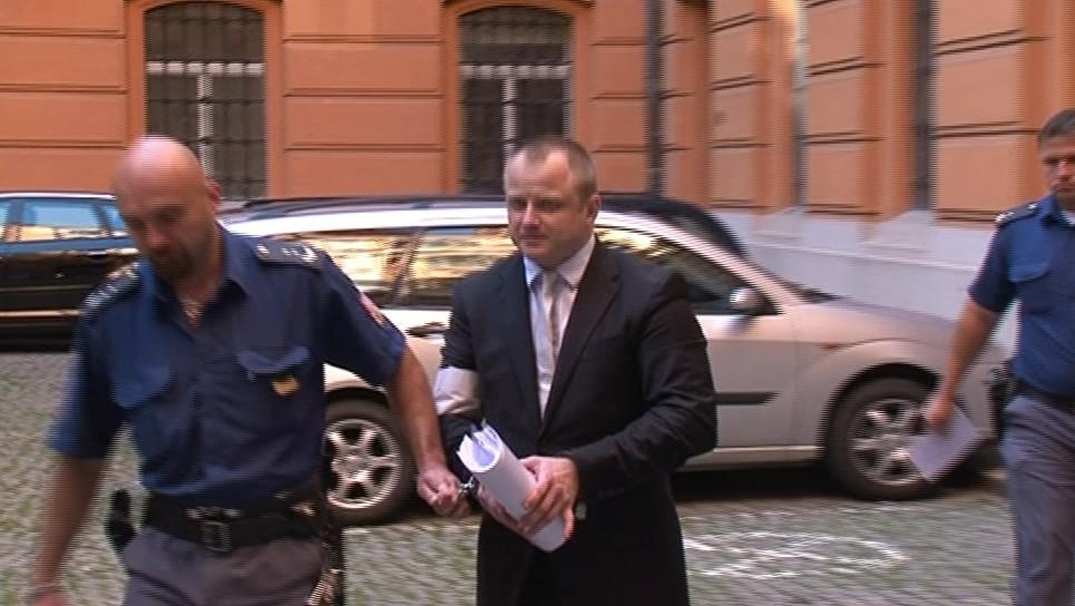 Thomas Smith z lidí podle obžaloby vylákal deset milionů korun