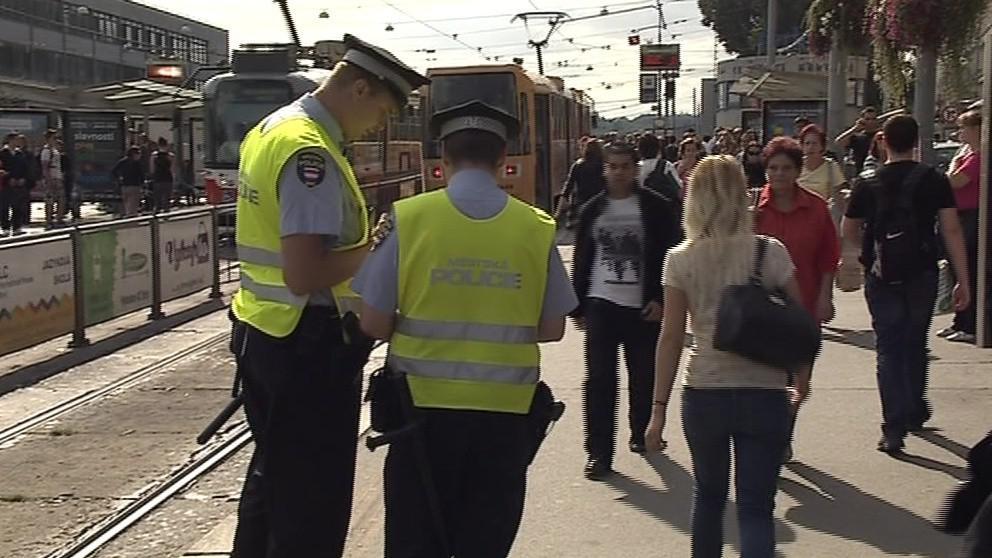 Kromě strážníků se na kapsáře zaměřují i kriminalisté v civilu