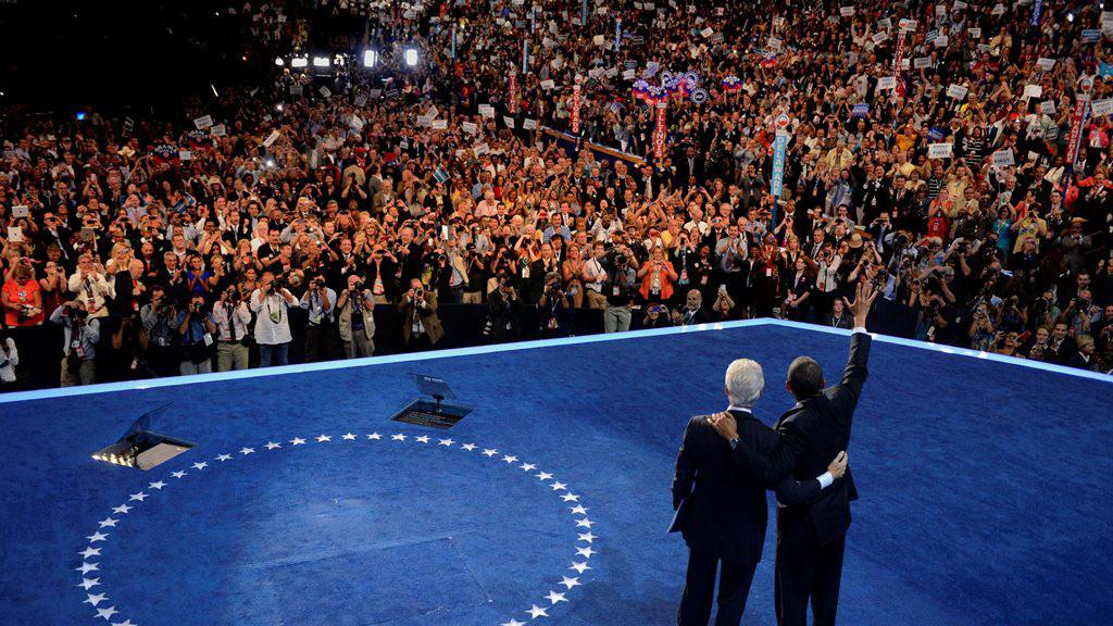 Barack Obama (P) a Bill Clinton