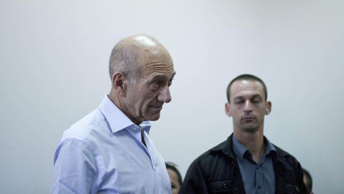Ehud Olmert u soudu