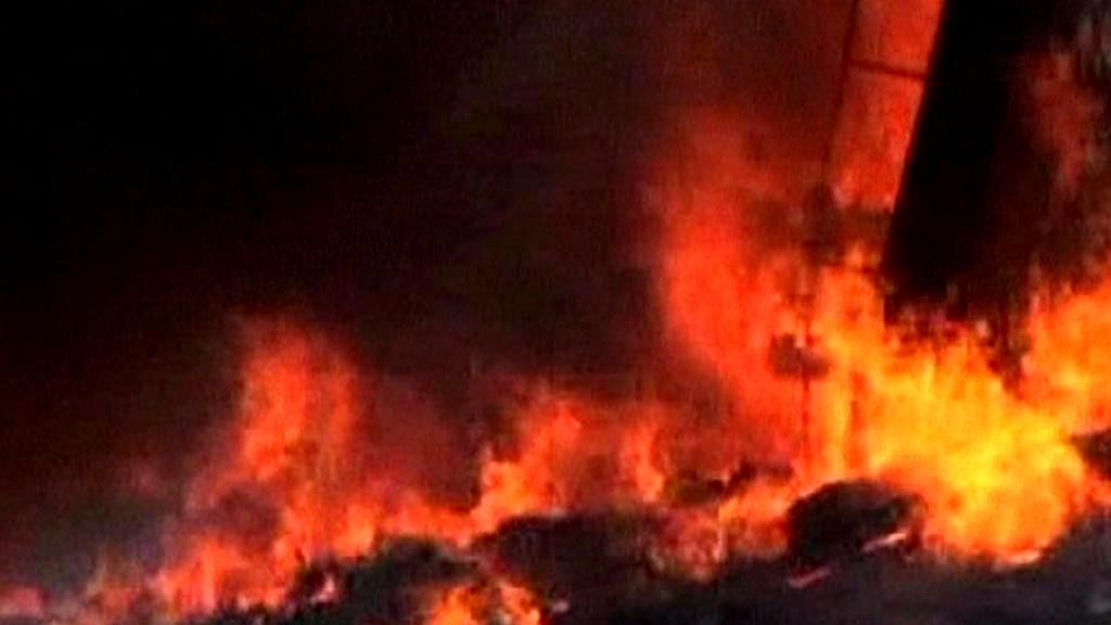 Požár v indické továrně na pyrotechniku