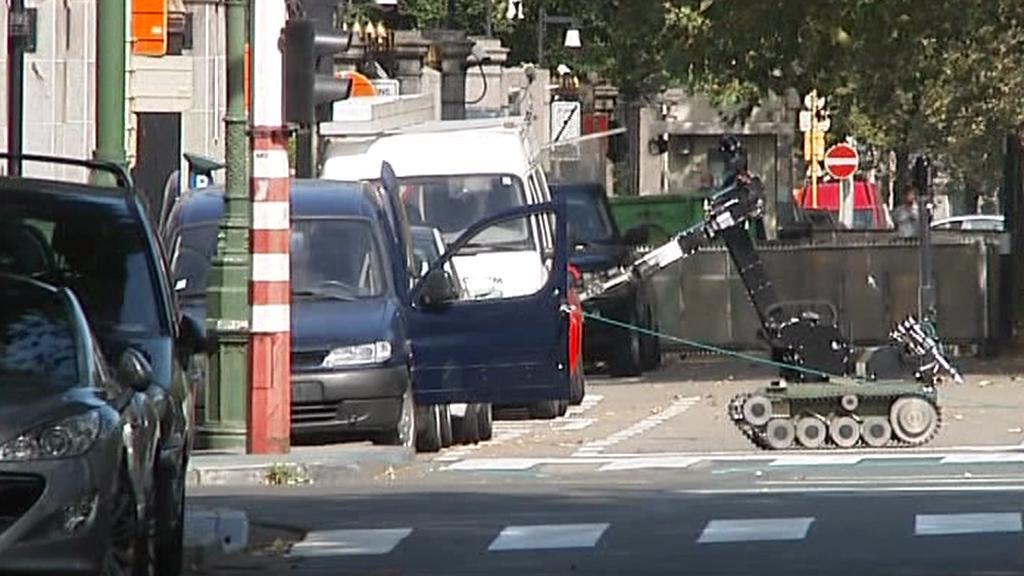 Pyrotechnici proheldali podezřelé vozidlo