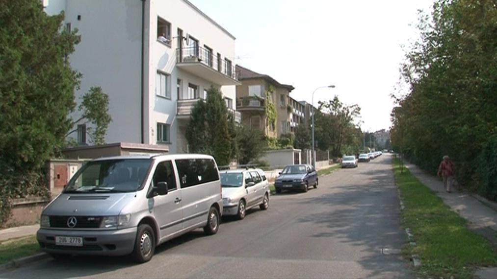 Lidé z Neumannovy ulice výstavbu nechtějí