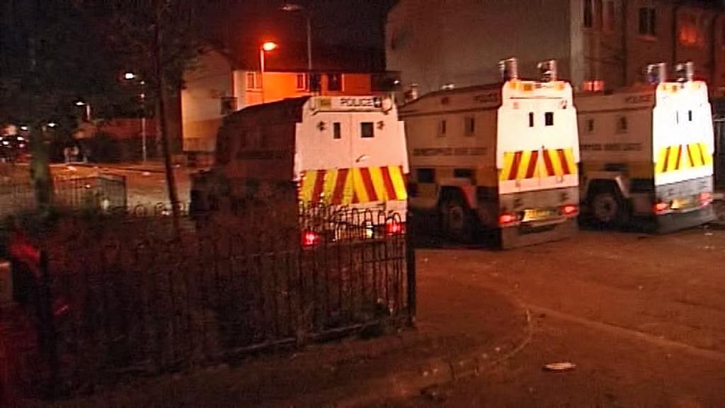 Zásah policie proti demonstrantům v Belfastu