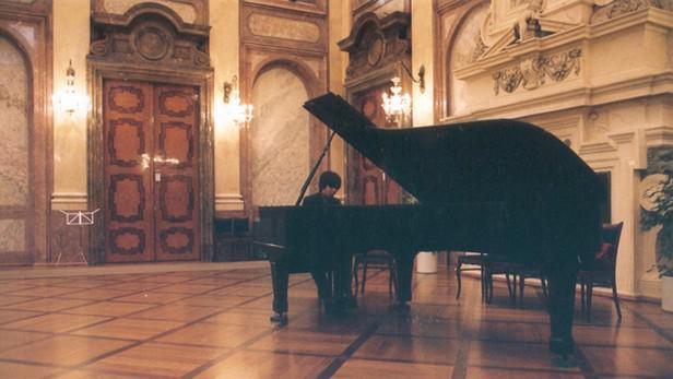 Klavírista Masaki Ichikawa