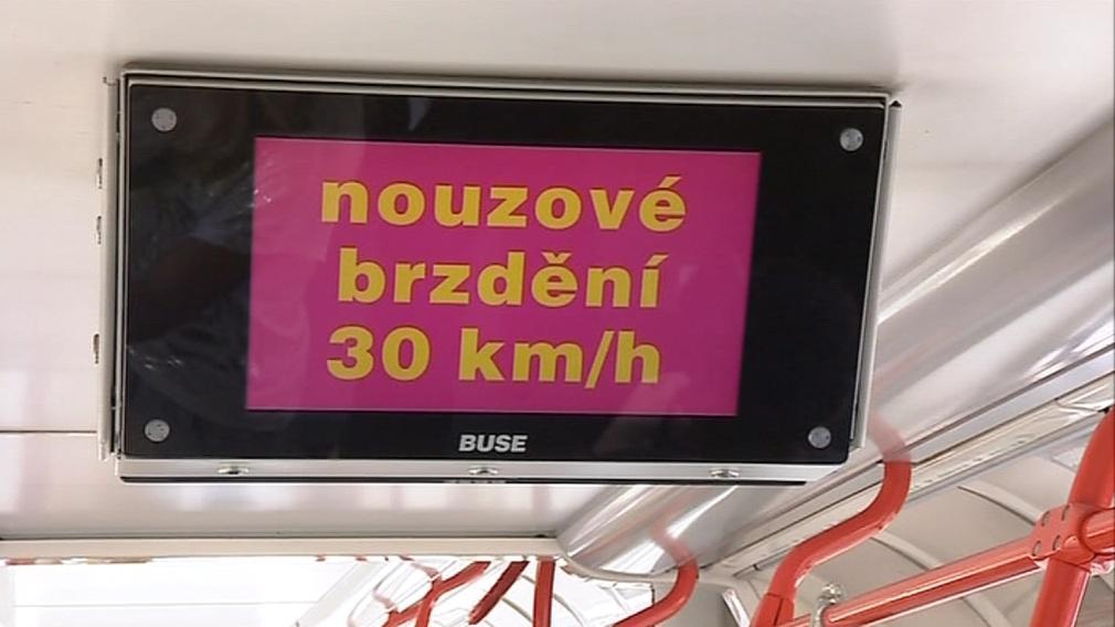 I při nízké rychlosti se může cestující zranit