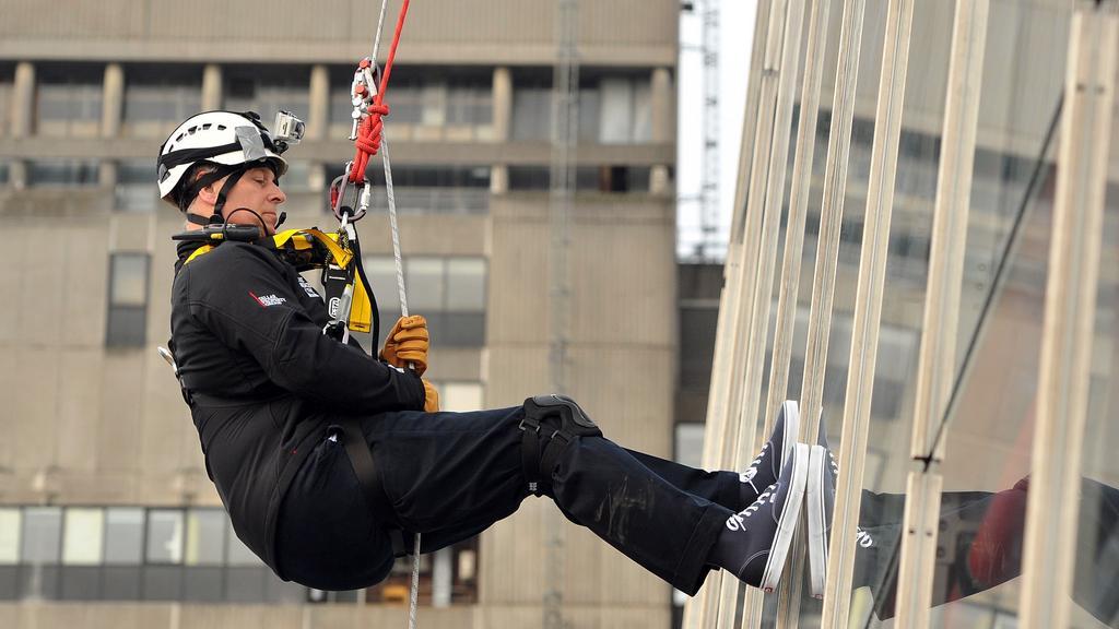 Princ Andrew slanil londýnský mrakodrap