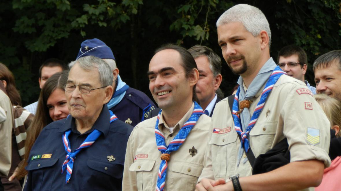 Starosta Junáka Josef Výprachtický (uprostřed)