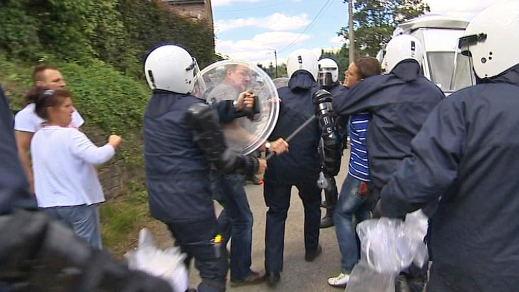 Zásah policie proti demonstrantům v Malonne