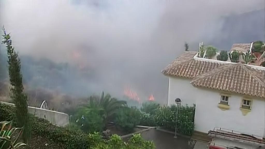Hašení požáru u španělské Marbelly