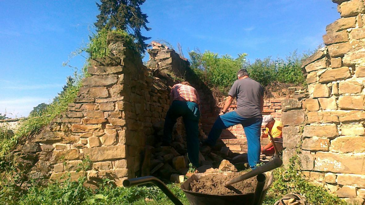 Oprava zdi bývalé rotundy