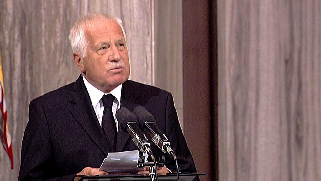Václav Klaus vzdává poctu Tomáši Sedláčkovi