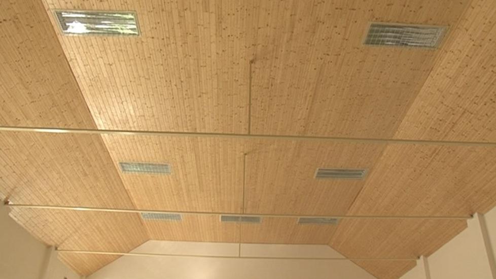 Opravený strop sokolovny