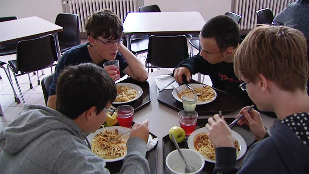 Školní jídelna
