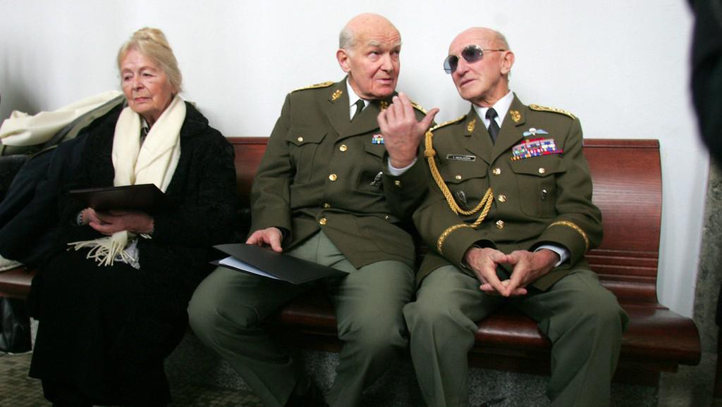 Tomáš Sedláček (vpravo)