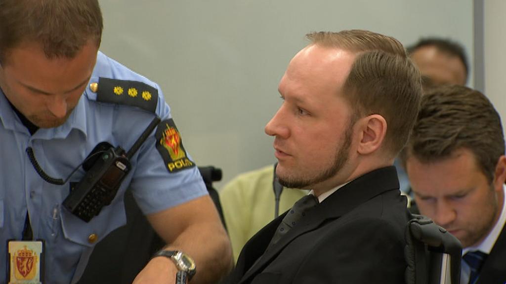 Anders Breivik poslouchá verdikt