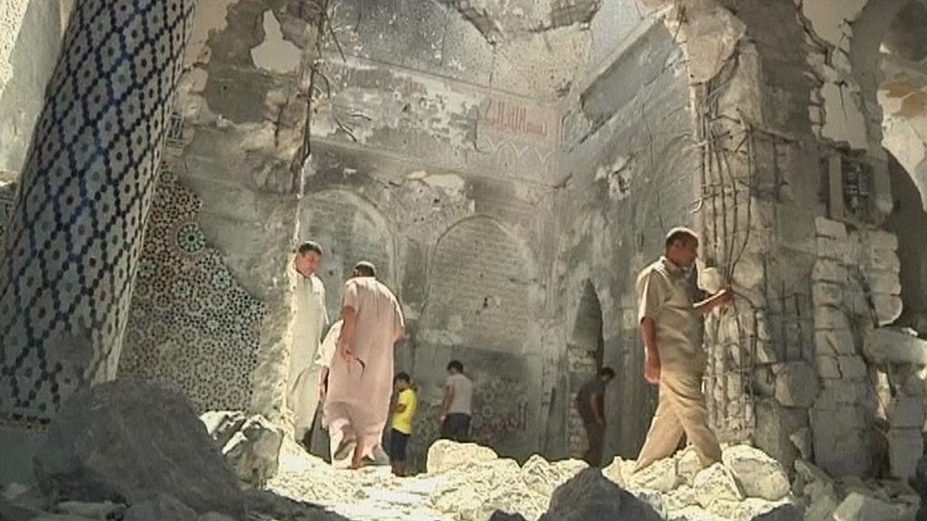 Zničená libyjská hrobka ve Zlitánu