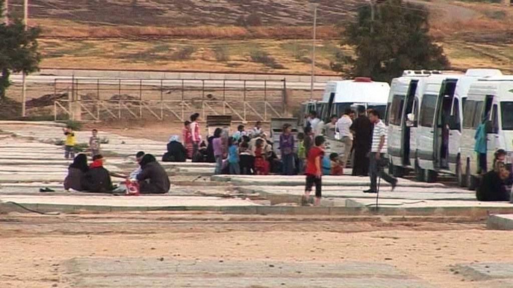 Syrští uprchlíci na hranici s Tureckem