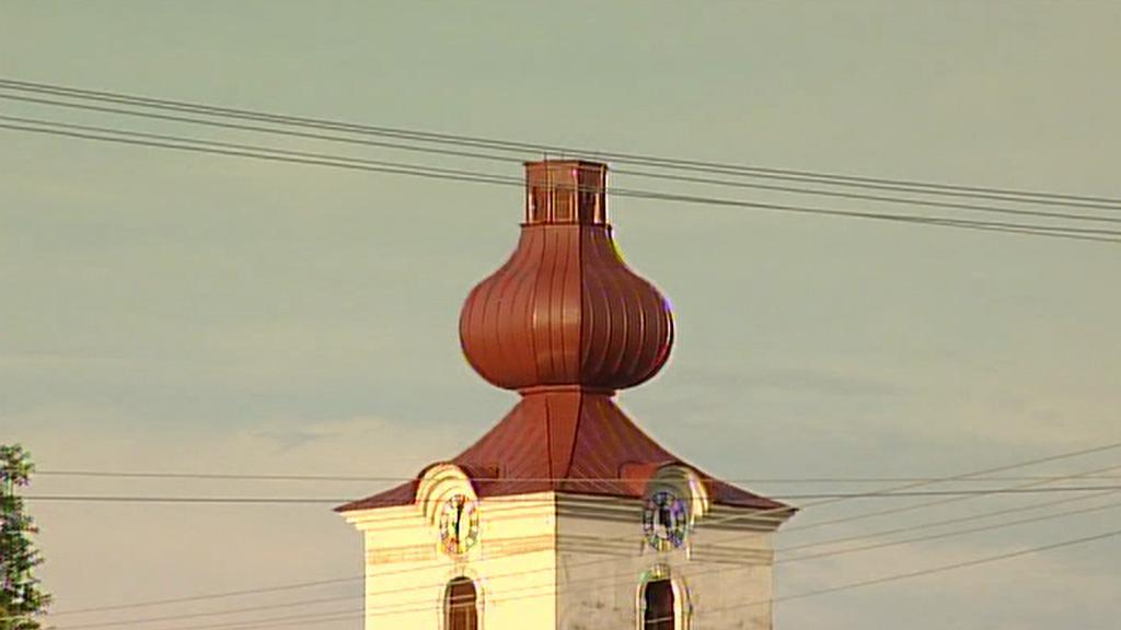 Ve Slupi připravila bouřka kostel o špičku věže