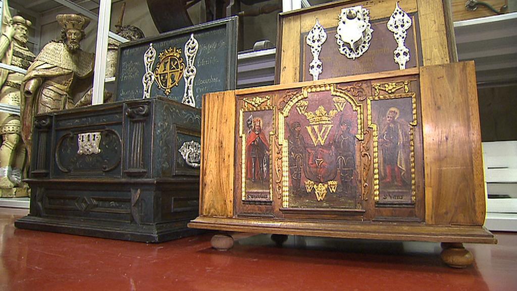 Zdobné předměty pražských cechů ukrývá pražský depozitář