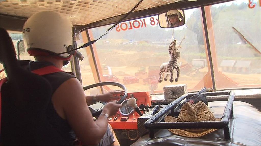 V kabině trucků, kde chybí klimatizace, bylo pořádné vedro