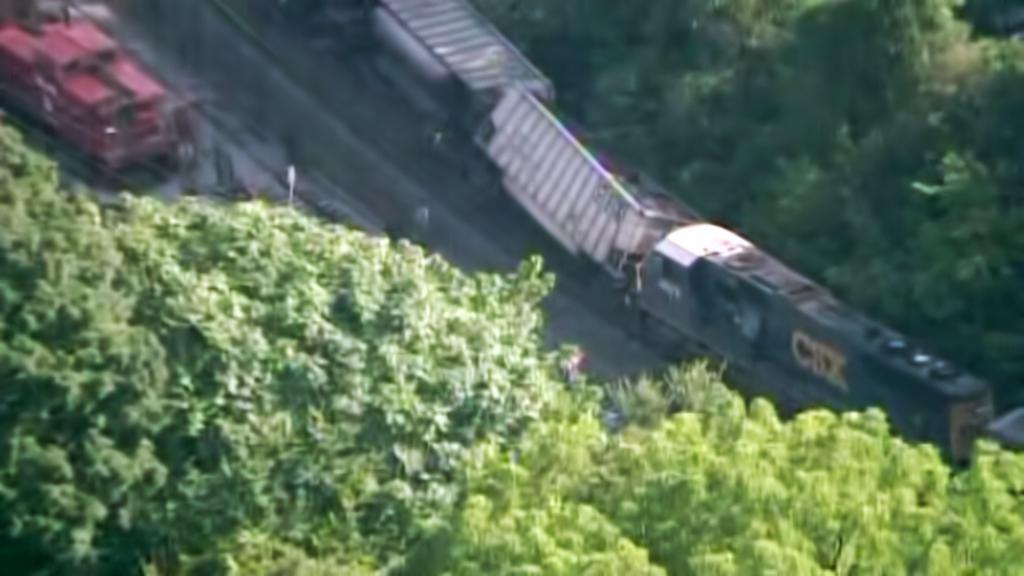 Havárie vlaku u Baltimoru narušila internetové spojení s Guantánamem