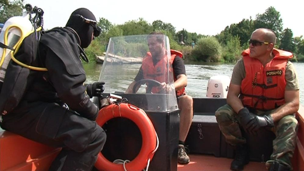 Policejní potápěči