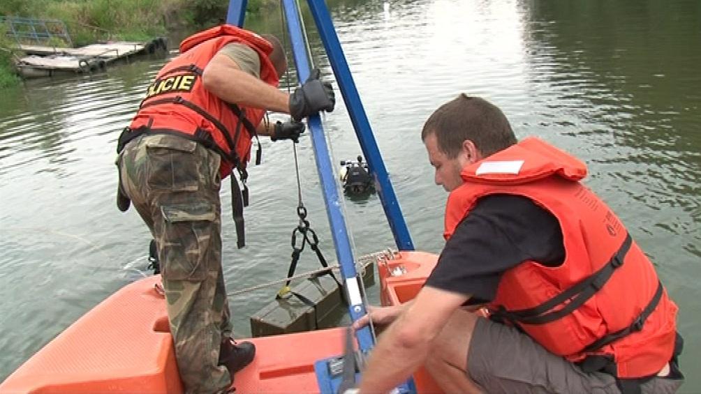 Potápěči budou likvidovat munici v Bosně