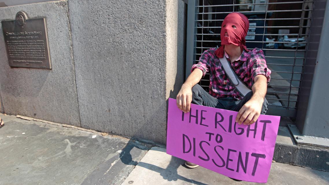 Newyorská demonstrace na podporu Pussy Riot