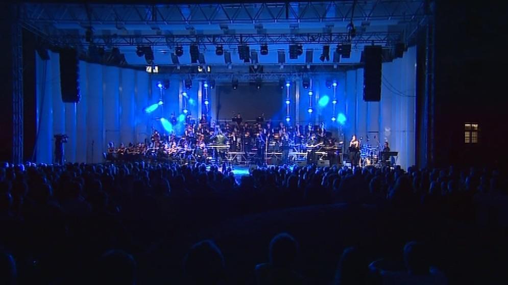 Skladby odehrál Metropolitní symfonický orchestr