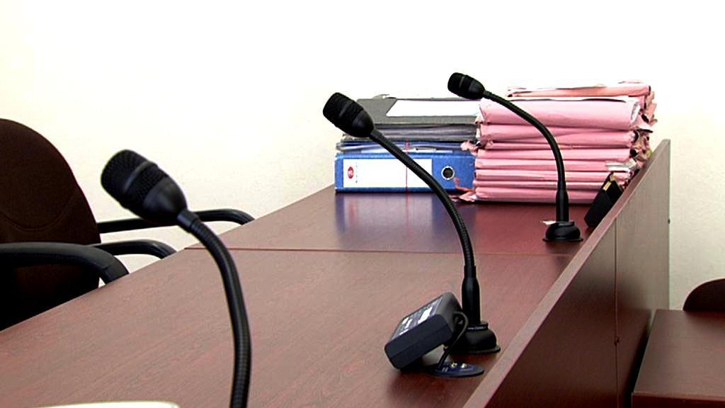 Mikrofony v soudní síni
