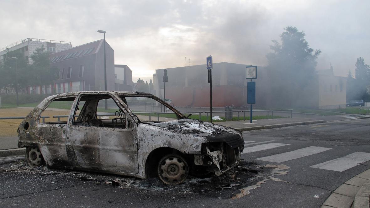 Následky násilí v Amiensu