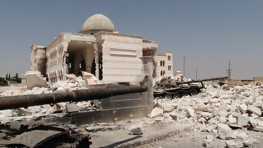 Rozbombardovaná mešita v Azazu