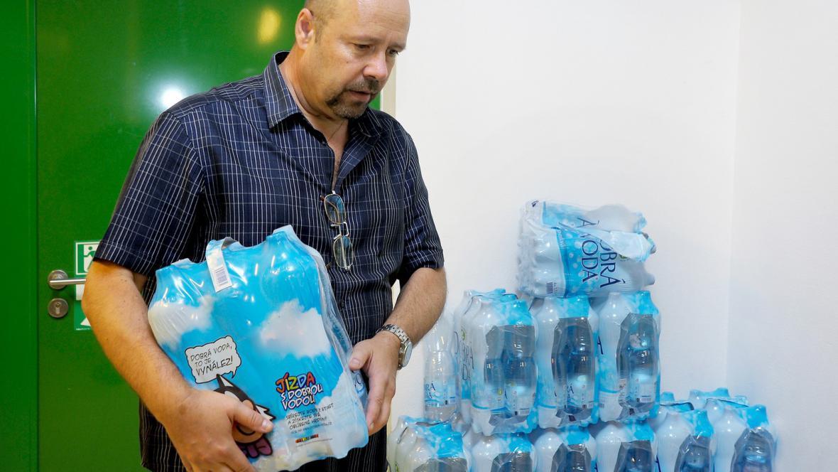Dovoz pitné vody do brněnského kampusu