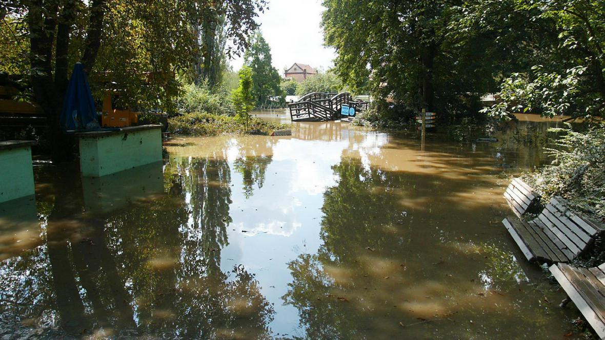 Zaplavená zoologická zahrada v Praze
