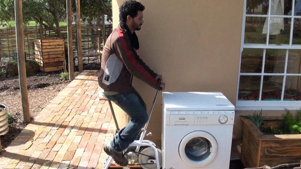 Pračka poháněná lidskou silou