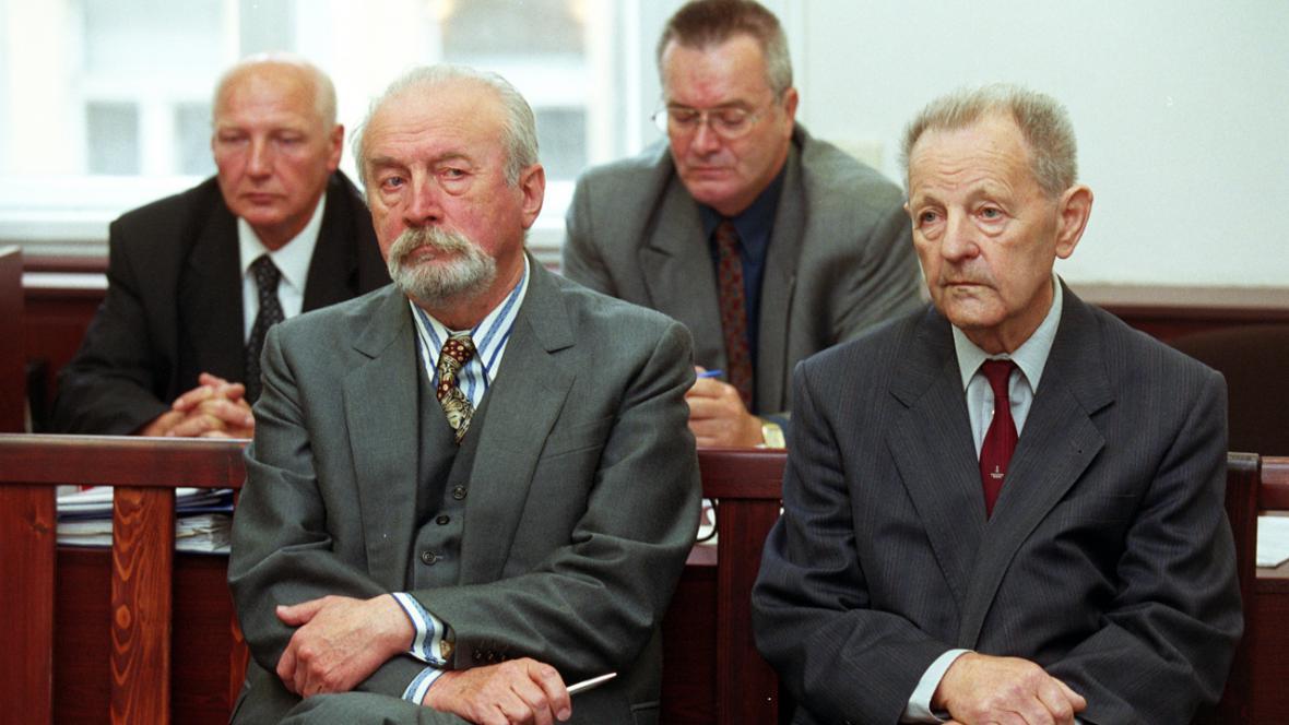 Jozef Lenárt a Miloš Jakeš u soudu ohledně vlastizrady