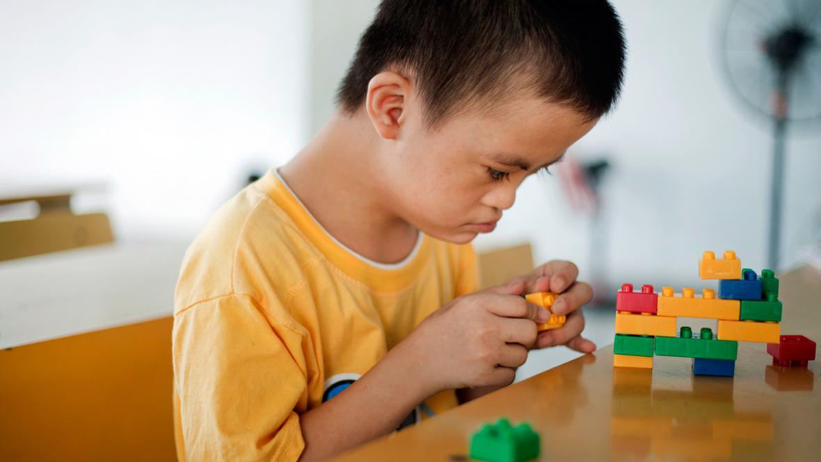 Agent Orange dodnes zanechává následky na vietnamských dětech