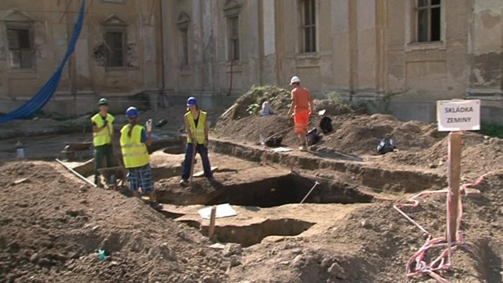 Archeologové na místě zůstanou ještě 2 měsíce