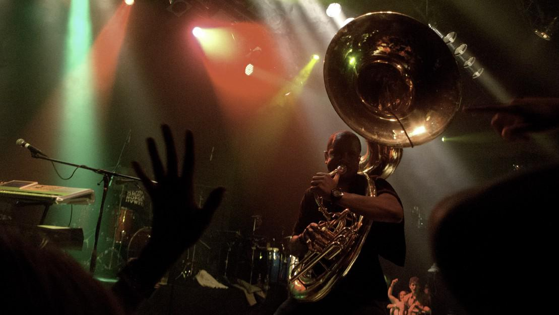 Suzafonista Tuba Gooding jr.