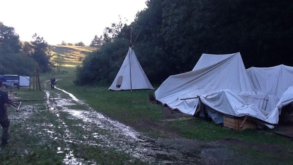 Z tábora u Studnice vyhnaly děti bouřky