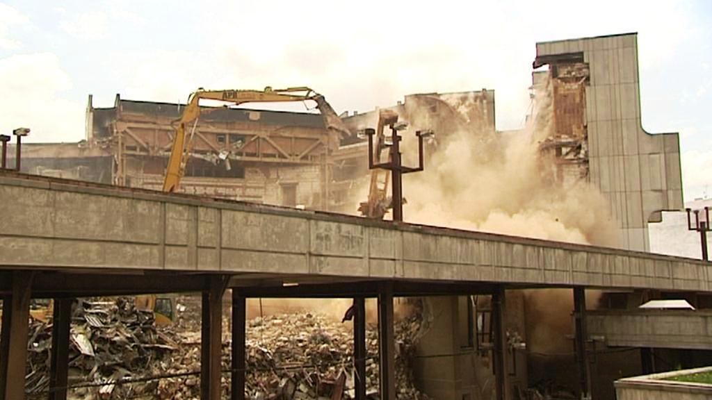 Demolice kulturního domu v Plzni