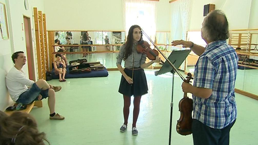 Vítěz akademie doprovází Hudečka na zimním turné