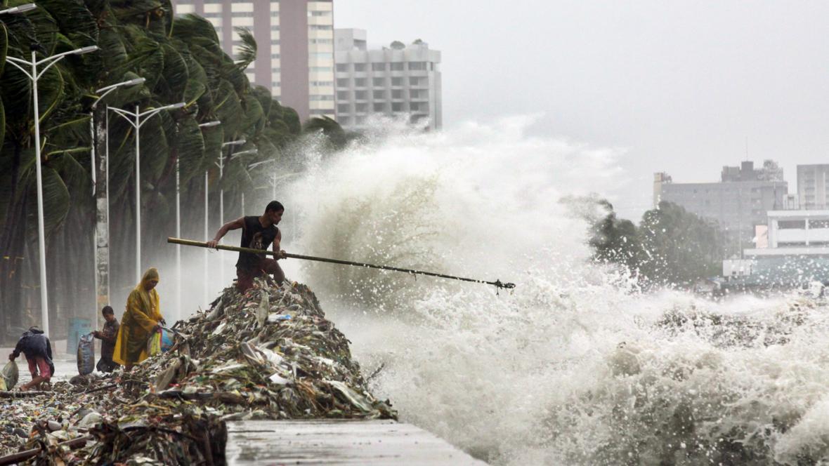 Tajfun Saola na Filipínách