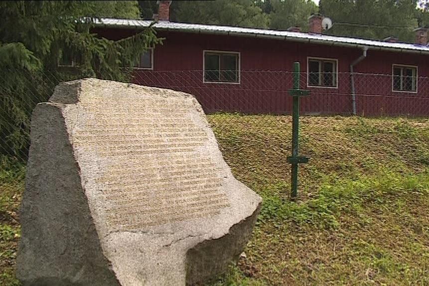Žalovský tábor se mění v památník romského holocaustu