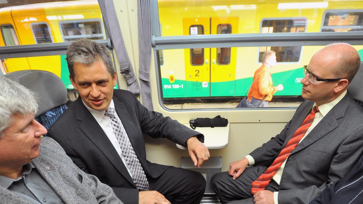 Cesta Jiřího Dienstbiera na zahájení prezidentské kampaně