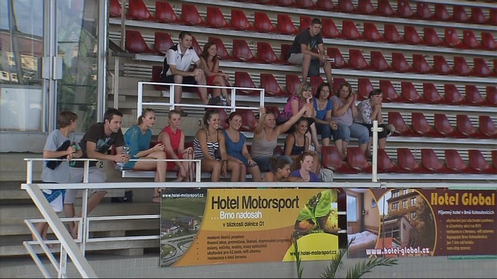 Olympijskou sestavu basi v plaveckém zénu za Lužánkami nenechali ujít přátelé, rodiny, ani fanoušci brněnských akvabel