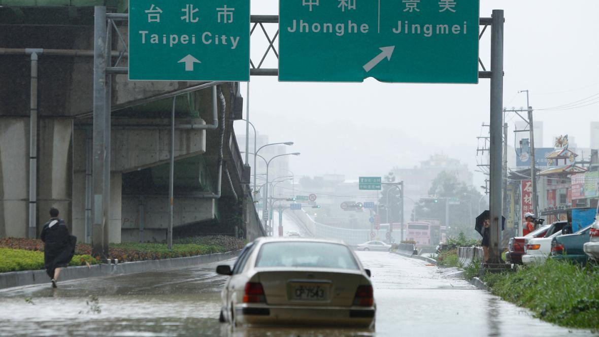 Tchaj-wan zasáhl tajfun