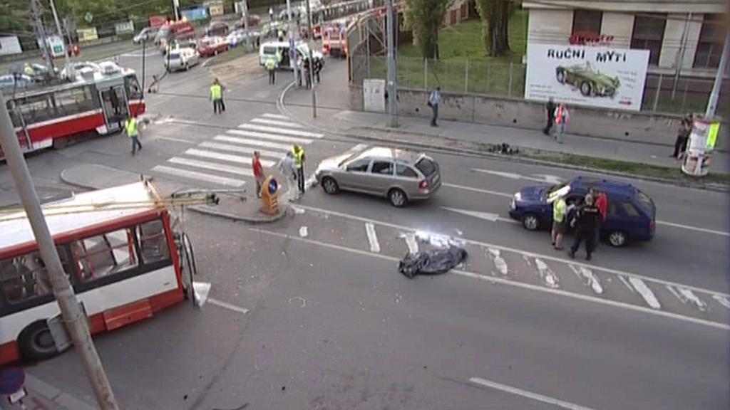 Nehoda tramvaje a trolejbusu