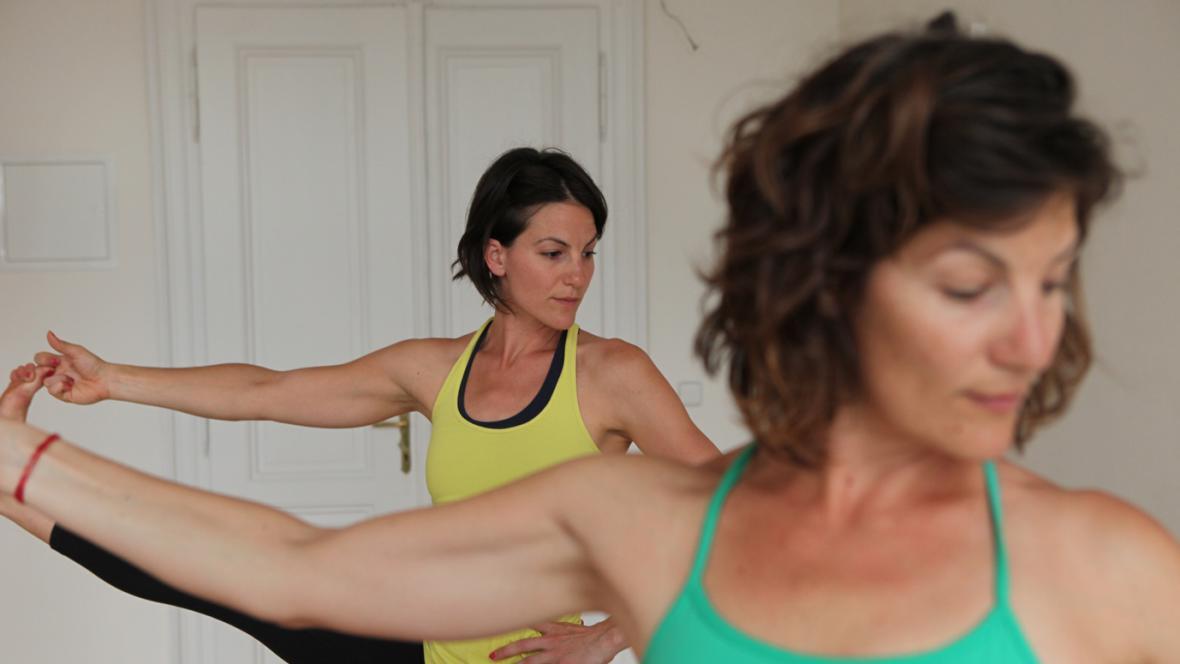 Sestry Anna a Kristina budou na cestě cvičit jógu